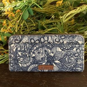 Sakroots slim wallet blue/white
